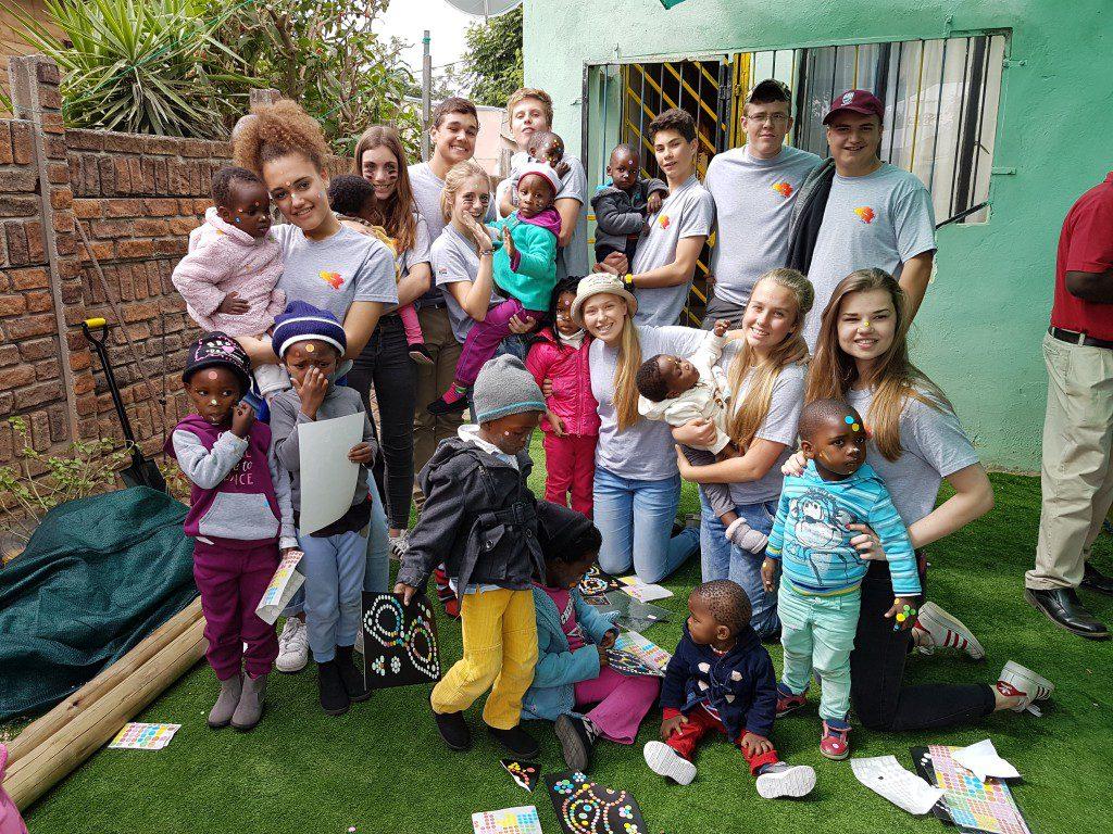 Leerlingen die zich vorig jaar inzetten voor het sociaal project.